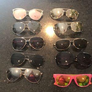 Set of 10 pair of sunglasses